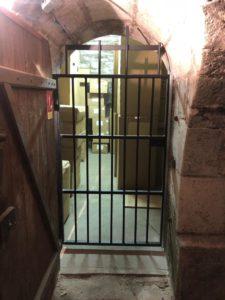 Installation de rideaux et grille de protection Serrurier 77